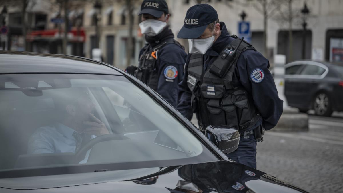 Un periodista, herido muy grave cuando cubría incidentes con jóvenes en Francia