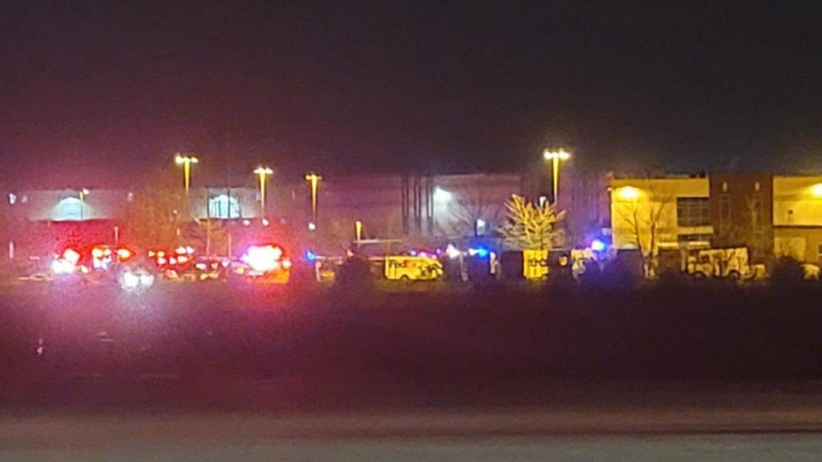 Nueva masacre en Estados Unidos: un tiroteo en un almacén de FedEx deja al menos 8 muertos