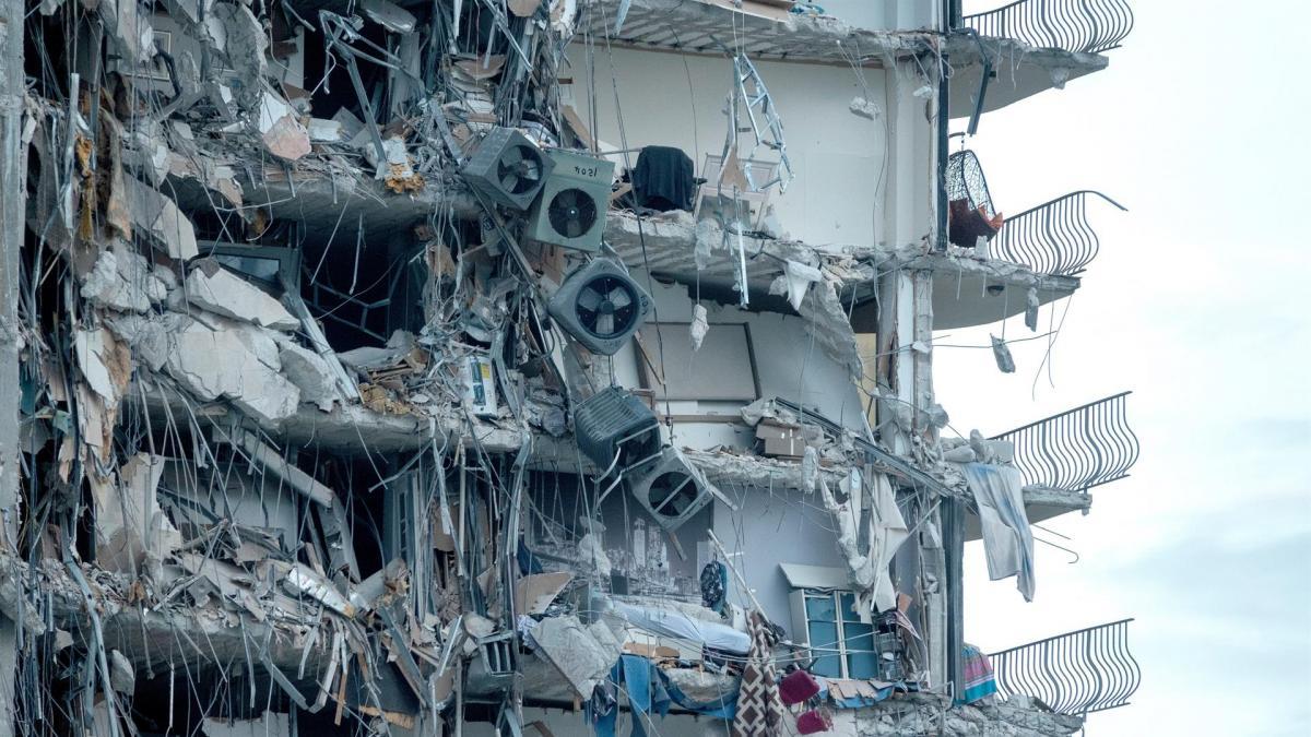 El brutal derrumbe de un edificio deja al menos un muerto, 51 desaparecidos y el milagroso rescate de un niño indemne