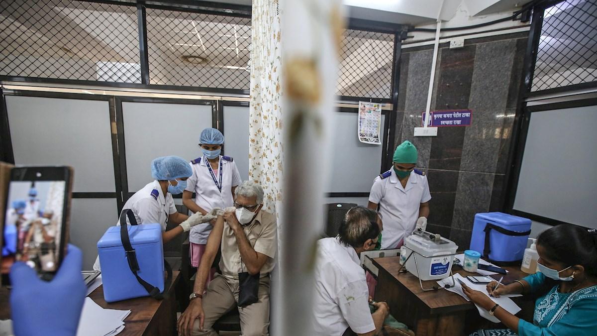 La India administra más de 25 millones de vacunas anticovid en un solo día